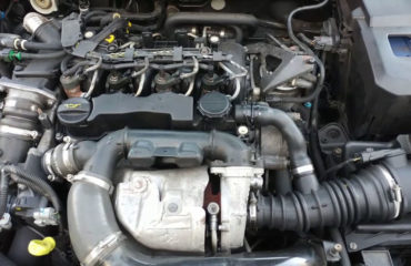 VOLVO C30 DV6 ENGINE