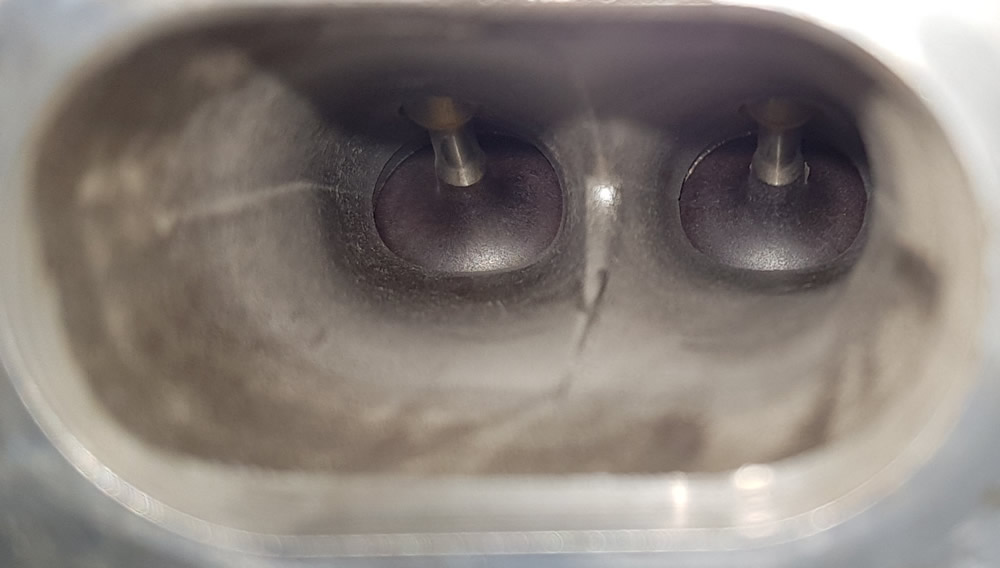 Mini 1.6 THP intake port after Carbon Clean with walnut shells